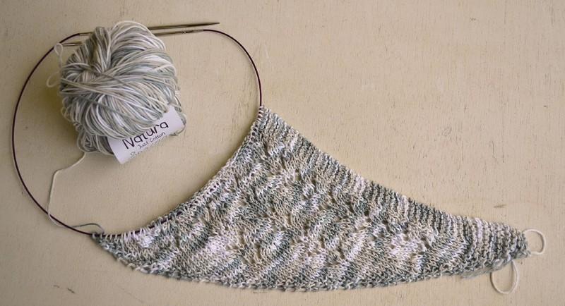 Qu tiene tejer un chal que no tiene otra prenda pearl knitter - Puntos para tejer con dos agujas ...